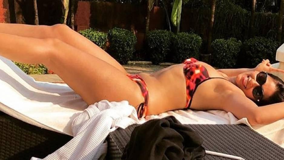 Ileana Dcruz sunbathing in bikini