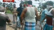 Odisha: Police Face Locals' Ire During Mask Checking In Bhadrak