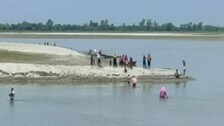 UP Villagers Jump Into Saryu River To Avoid COVID19 Jabs