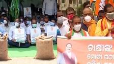 Mandi Row: BJD Stages Protest At FCI Godowns, BJP Terms It 'Escapist Ploy'