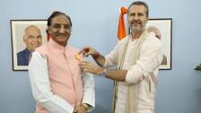 Ramesh Pokhriyal Receives 'Maharishi Inter National Invincible Gold Medal'