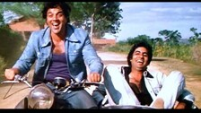 Sholay Clocks 46 Years: Bollywood Goes Crazy, Veeru Aka Dharmendra Reveals Big Mistake