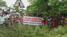Police-Villagers Face-off Over Public Hearing of Mines Expansion In Sundergarh