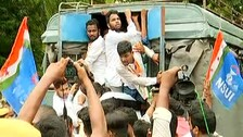 OSSC Job Scam: Chhatra Congress Activists Scuffle With Cops On Way To Gherao Odisha Assembly