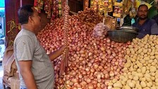 After Petrol, Diesel & LPG, Onion Price Shatters Sweet Home Dreams